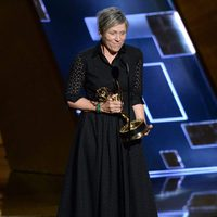 Frances McDormand recibiendo el Premio Emmy 2015