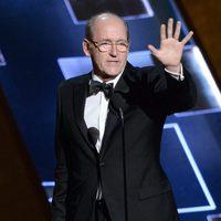 Richard Jenkins recibiendo el Premio Emmy 2015