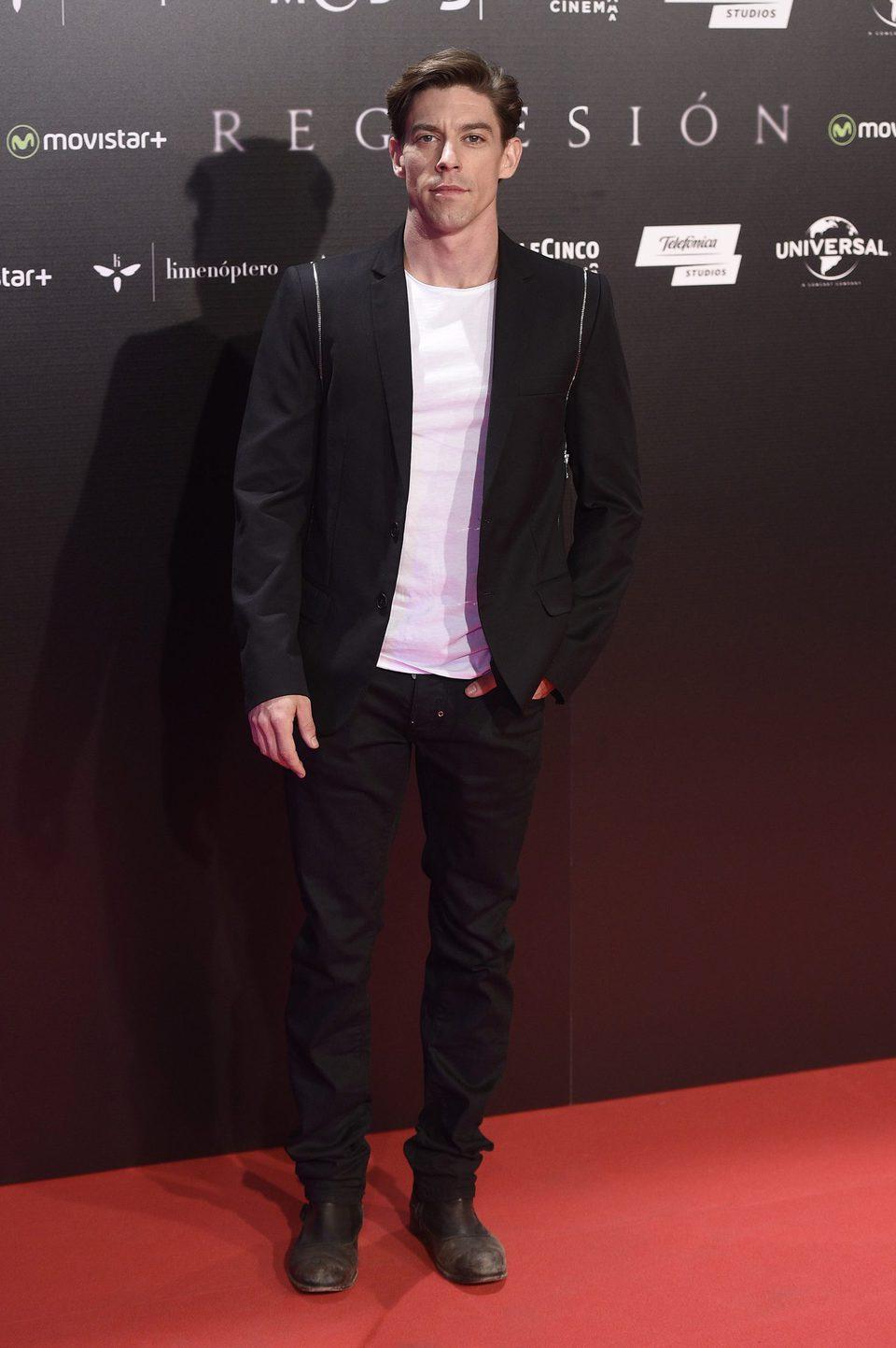 Adrián Lastra en la Premiere de 'Regresión' en Madrid
