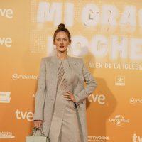 Ana Polvorosa luce un sugerente traje en la premiere de 'Mi gran noche'
