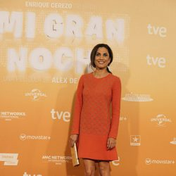 Toni Acosta luce un modelo elegante en la alfombra roja de 'Mi gran noche'