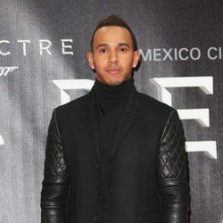 Lewis Hamilton en la premiere de 'Spectre' en Mexico