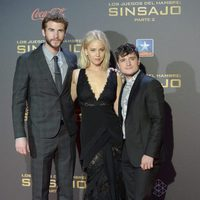 Liam Hemsworth, Jennifer Lawrence y Josh Hutcherson en la premiere madrileña de 'Los Juegos del Hambre: Sinsajo - Parte 2'