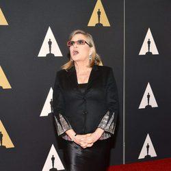 Carrie Fisher en la alfombra roja de los Governor's Awards 2015