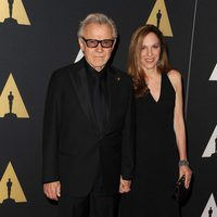 Harvey Keitel y su esposa en los Governor's Awards 2015