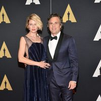 Mark Ruffalo y su esposa en los Governor's Awards 2015