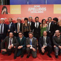 El equipo de 'Ocho apellidos catalanes' posa en la Premiere