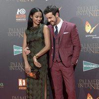 Mario Casas y Berta Vázquez en la premiere de 'Palmeras en la nieve' en Madrid