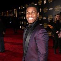 John Boyega en la premiere de 'Star Wars: El despertar de la fuerza'