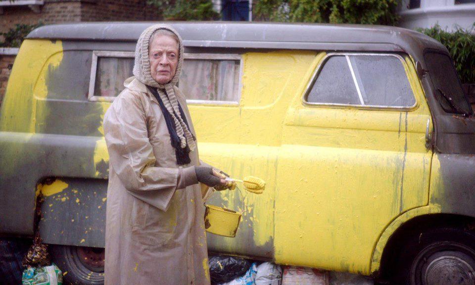 The Lady in the Van, fotograma 7 de 19