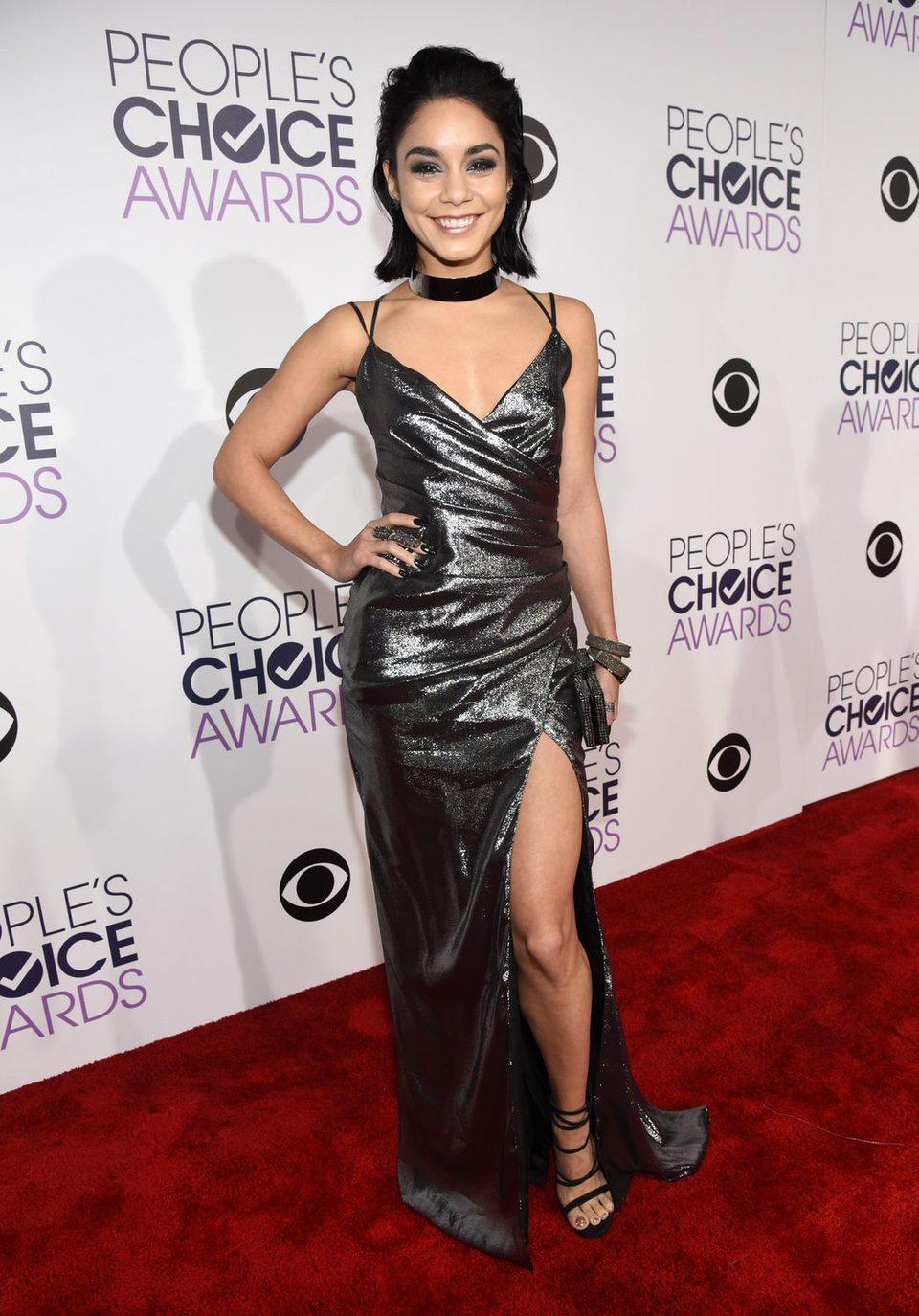 Vanessa Hudgens en los People's Choice Awards 2016