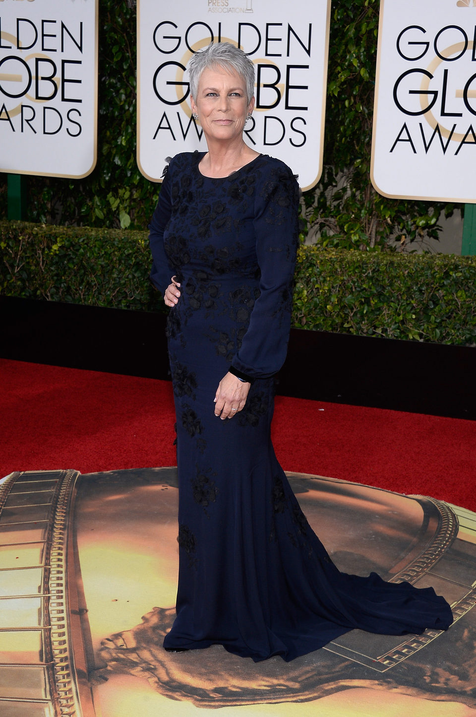 Jamie Lee Curtis in the 2016 Golden Globes red carpet