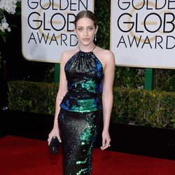 Carly Chaikin in the 2016 Golden Globes red carpet