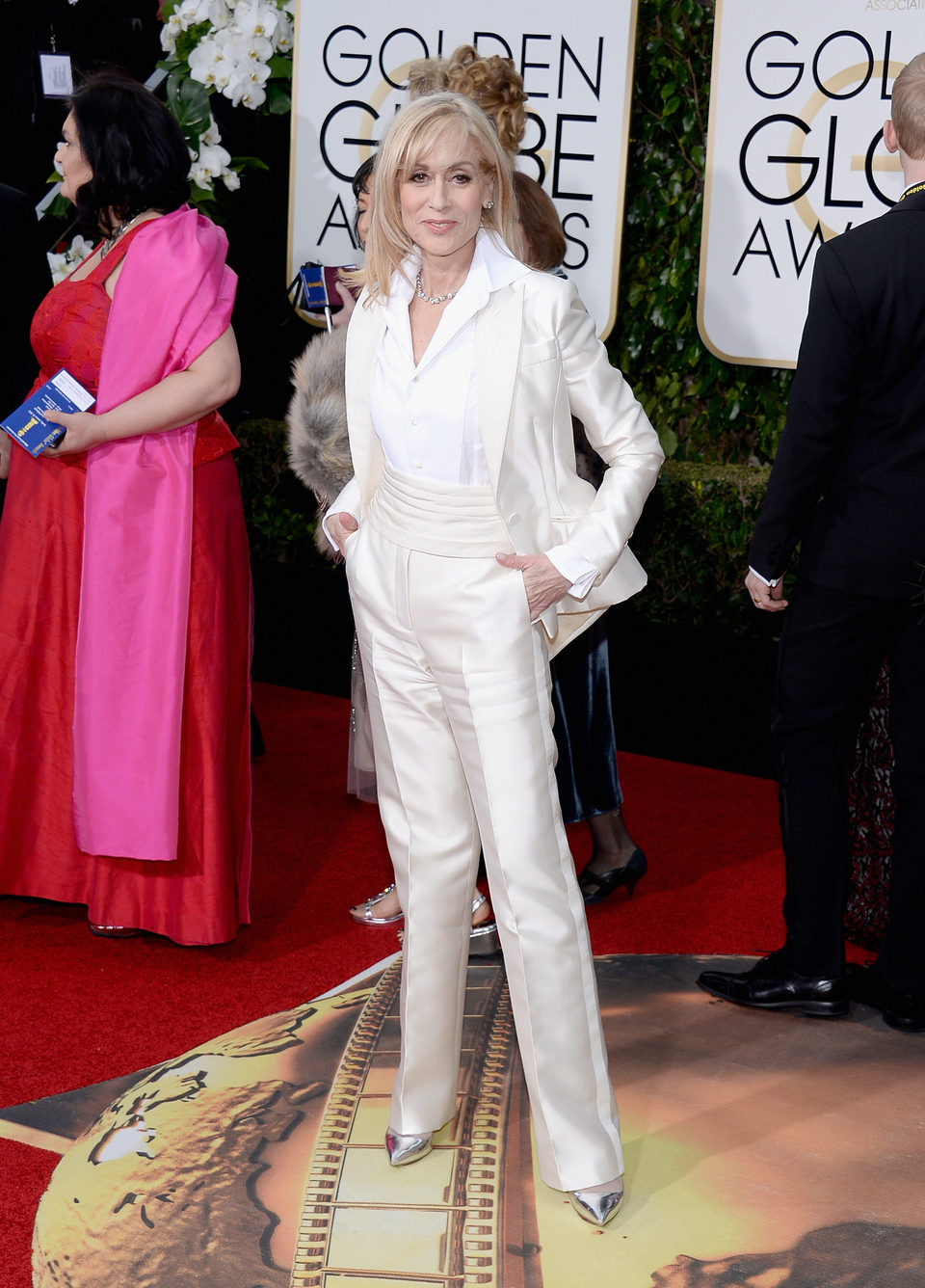Judith Light in the 2016 Golden Globes red carpet