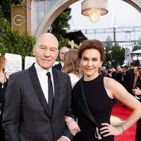 Patrick Stewart and Sunny Ozell at the 2016 Golden Globes red carpet