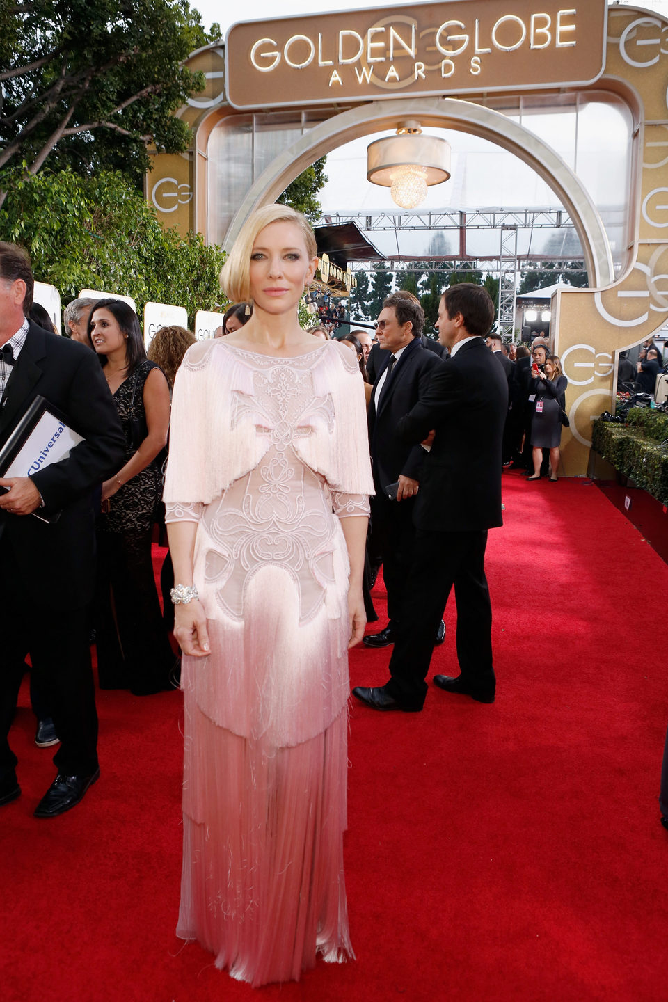 Cate Blanchett in the 2016 Golden Globes red carpet