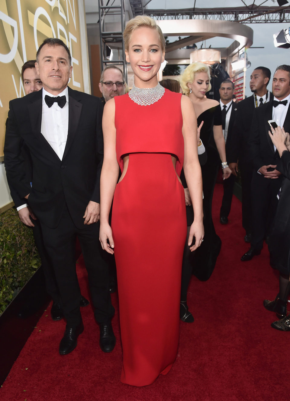 Jennifer Lawrence in the 2016 Golden Globes red carpet
