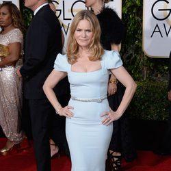 Jennifer Jason Leigh in the 2016 Golden Globes red carpet