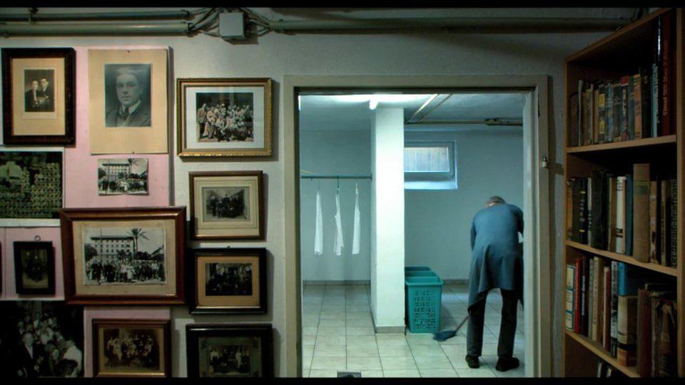 En el sótano, fotograma 6 de 12