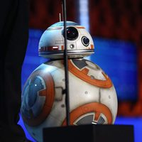 BB-8 también asistió a la gala de Critics Choice Awards 2016