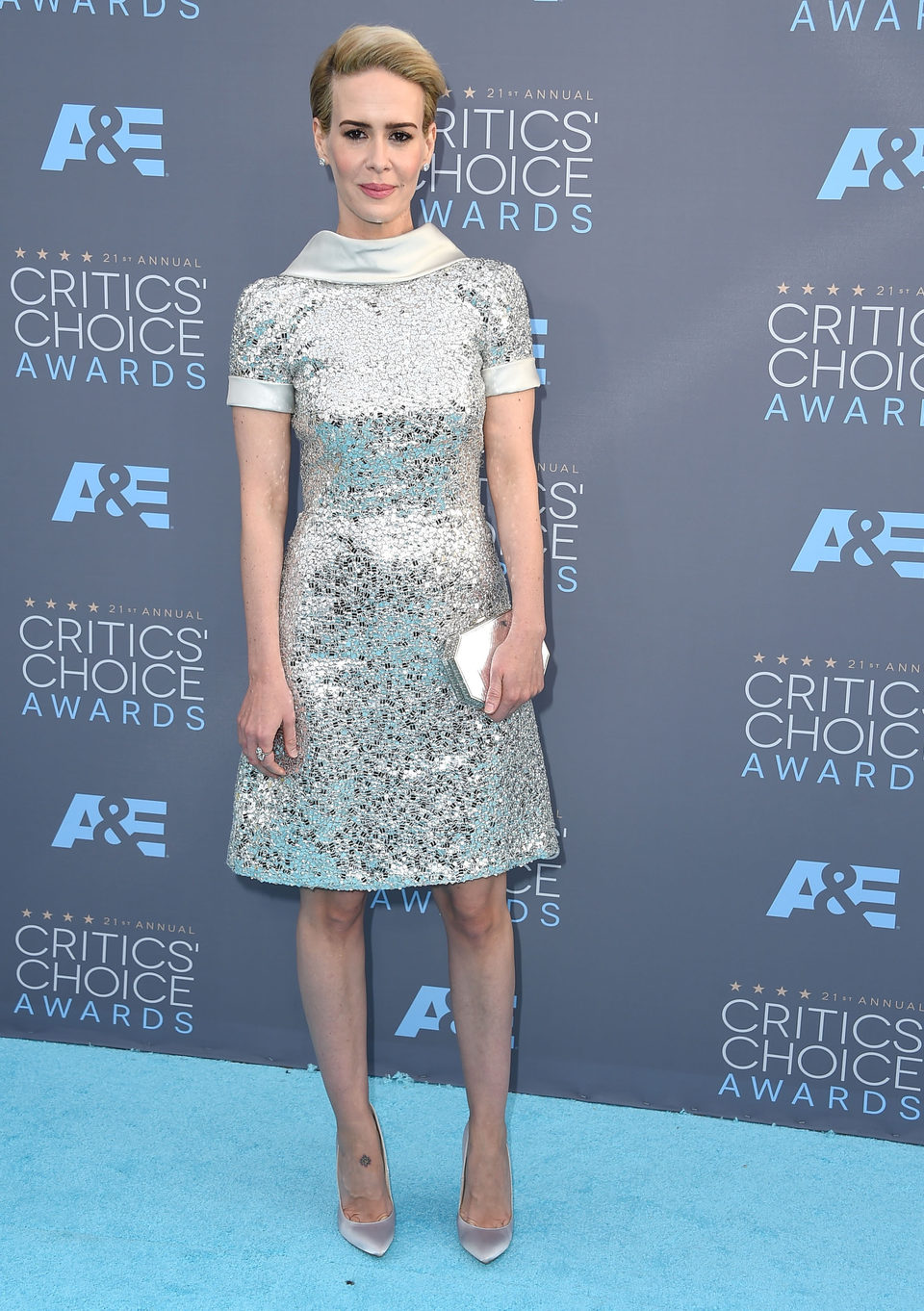 Sarah Paulson momentos antes del comienzo de la gala de los Critics Choice Awards 2016