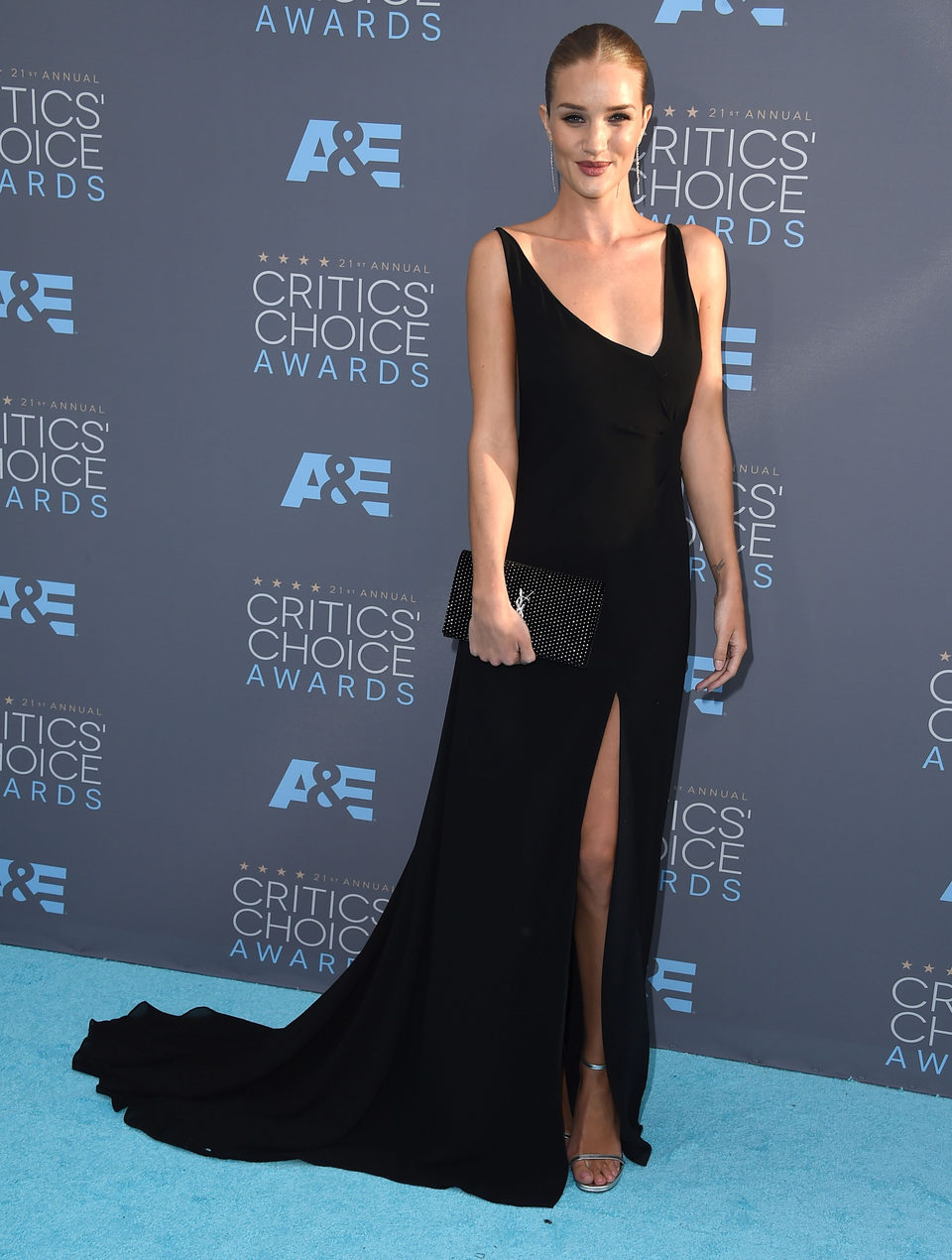 Rosie Huntington-Whiteley fue con Jason Statham a la gala de los Critics Choice Awards 2016