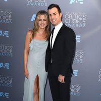 Jennifer Aniston y Justin Theroux no se perdieron los Critics Choice awards 2016