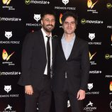 Hugo Silva y Ernesto Sevilla en la alfombra roja de los Premios Feroz 2016