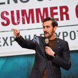 Matthew Lewis en el escenario del evento