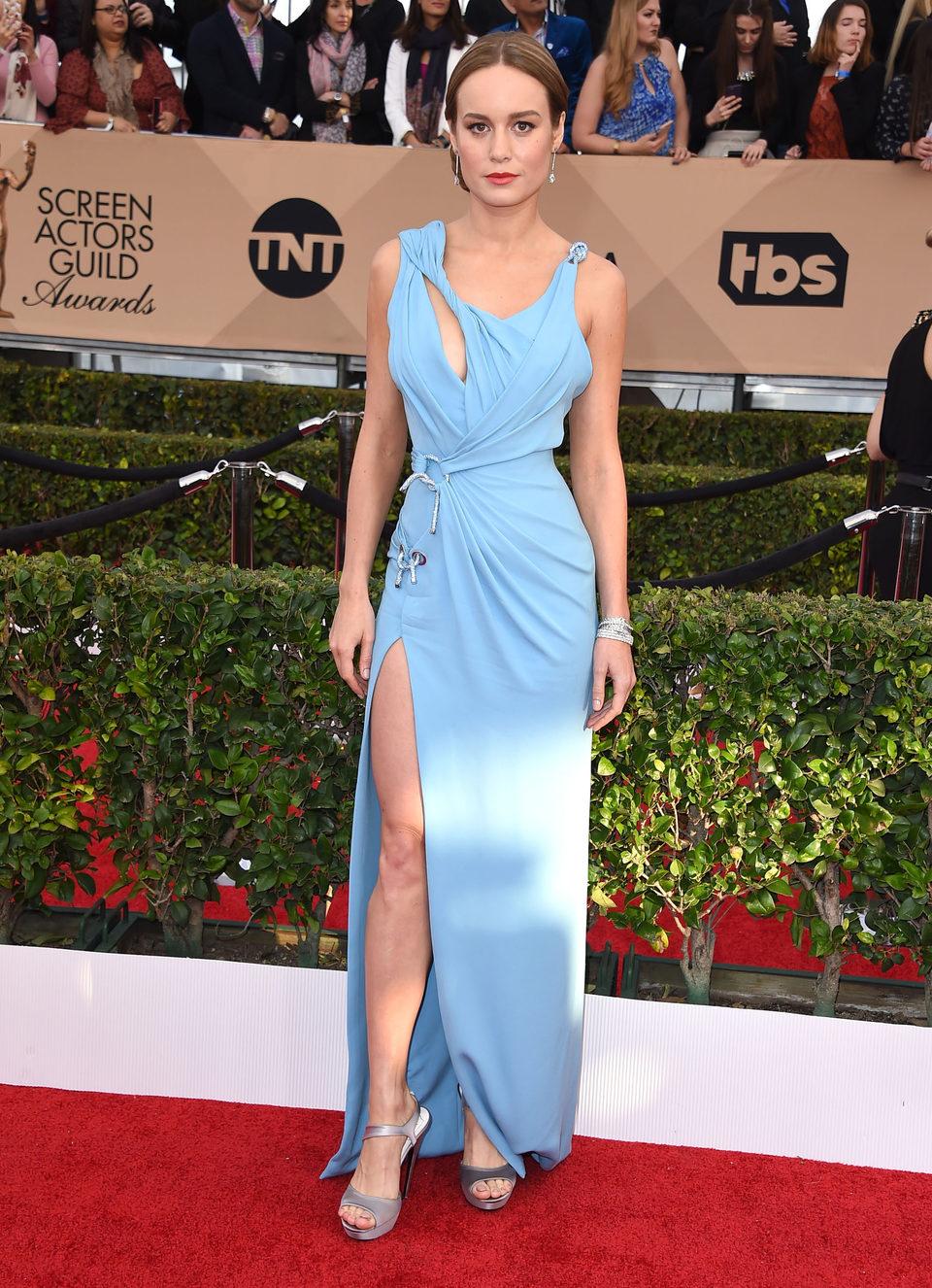 Brie Larson at the SAG Awards 2016 red carpet