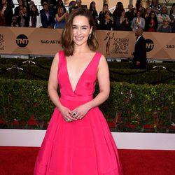 Emilia Clarke en la alfombra roja de los SAG Awards 2016