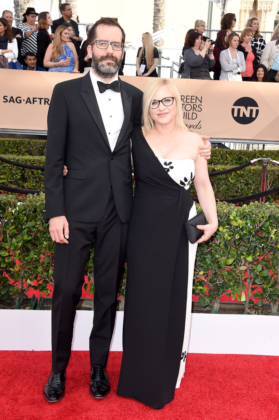 Patricia Arquette and Eric White in red carpte of SAG Awards 2016