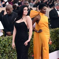 Ariel Winter and Sola Bamis in red carpet of SAG Awards 2016
