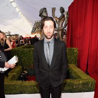 Simon Helberg at the SAG Awards 2016 red carpet