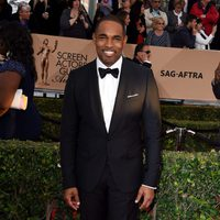 Jason George at the SAG Awards 2016 red carpet
