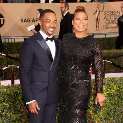 Anthony Mackie y Queen Latifah en los SAG Awards 2016
