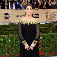 Mayim Bialik at the SAG Awards 2016 red carpet