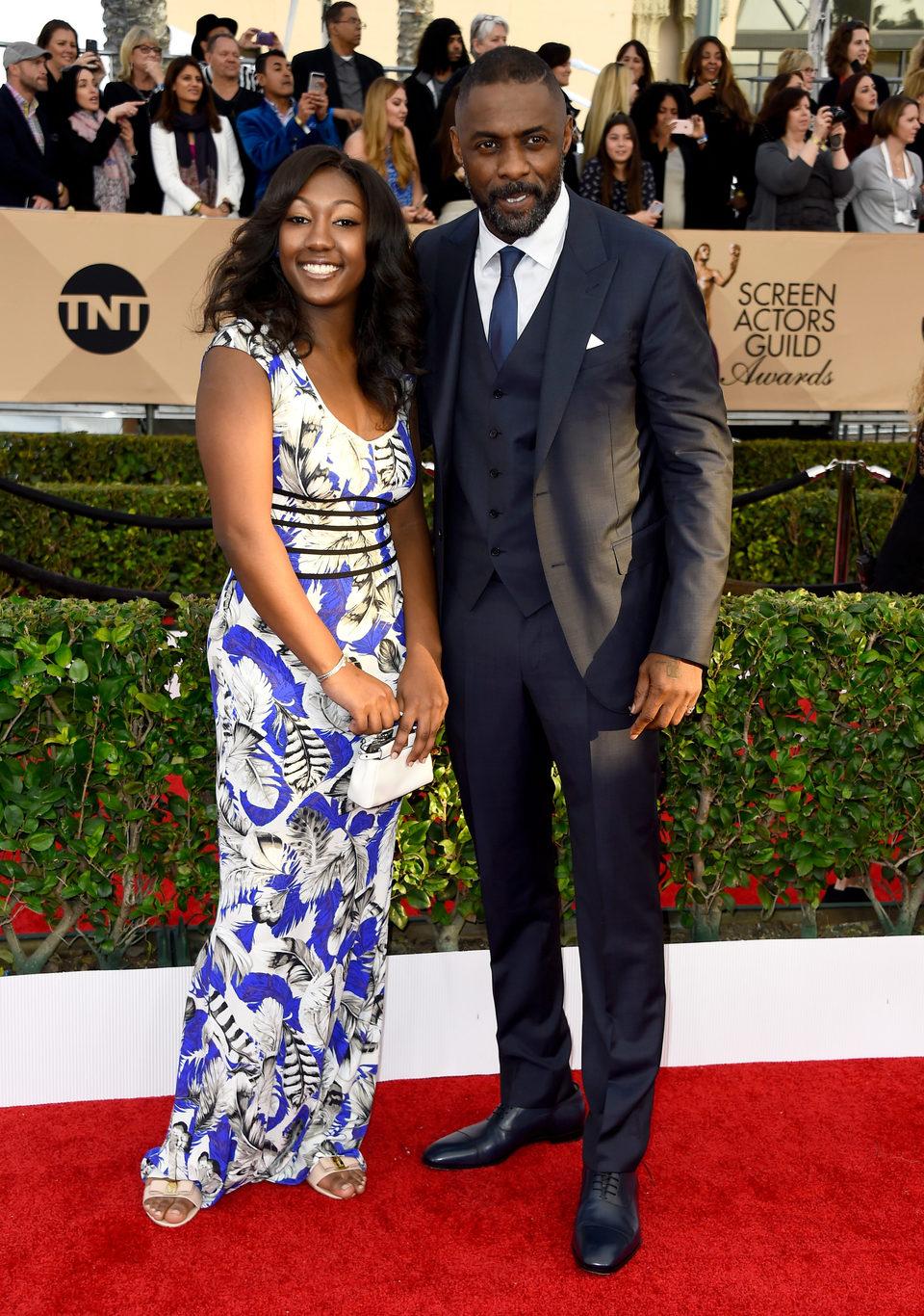 Idris Elba e Isan Elba en la alfombra roja de los SAG Awards 2016
