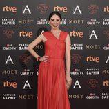 Candela Serrat en la alfombra de los Premios Goya 2016