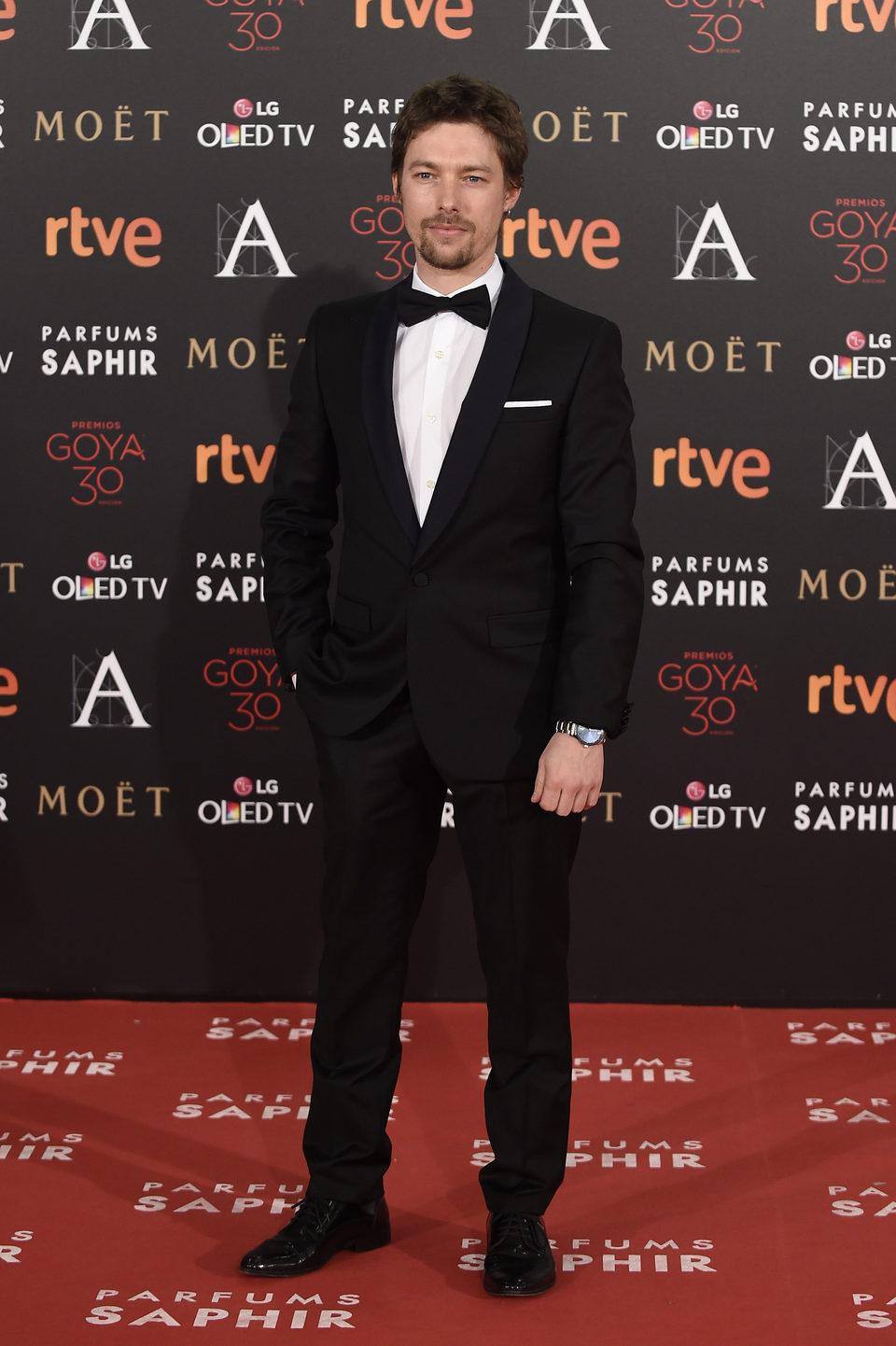 Jan Cornet en la alfombra roja de los Premios Goya 2016