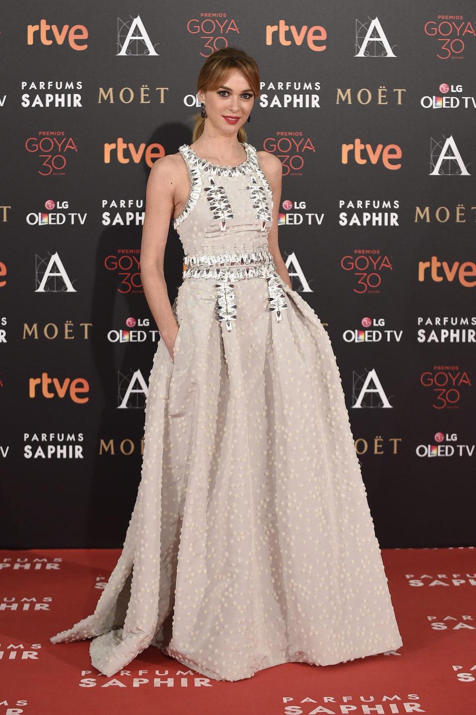 Marta Hazas en la alfombra roja de los Premios Goya 2016