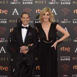 Manuel Bandera y  Bibiana Fernández en la alfombra roja de los Premios Goya 2016