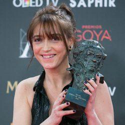 Clara Bilbao, Mejor Vestuario por 'Nadie quiere la noche' en los premios Goya 2016