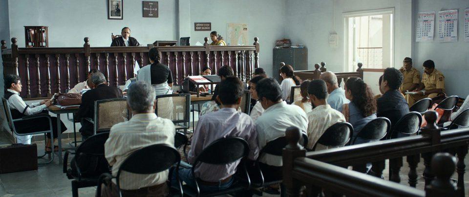 Tribunal, fotograma 2 de 6