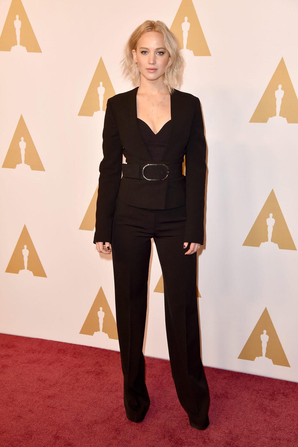 Jennifer Lawrence en la comida de nominados a los Oscar 2016