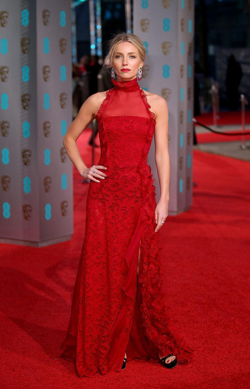 Annabelle Wallis en la alfombra roja de los BAFTA Awards 2016