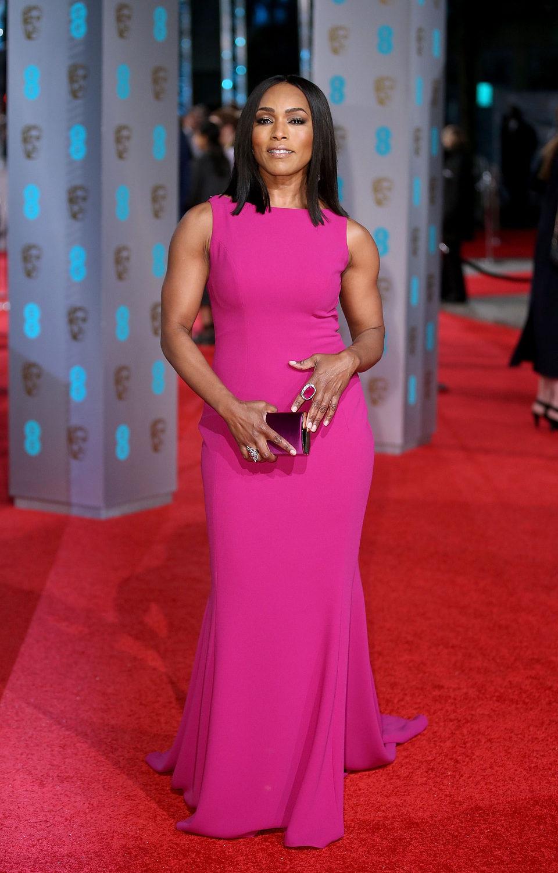 Angela Bassett en la alfombra roja de los BAFTA Awards 2016