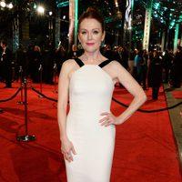 Julianne Moore en la alfombra roja de los BAFTA Awards 2016