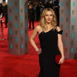 Kate Winslet en la alfombra roja de los BAFTA Awards 2016