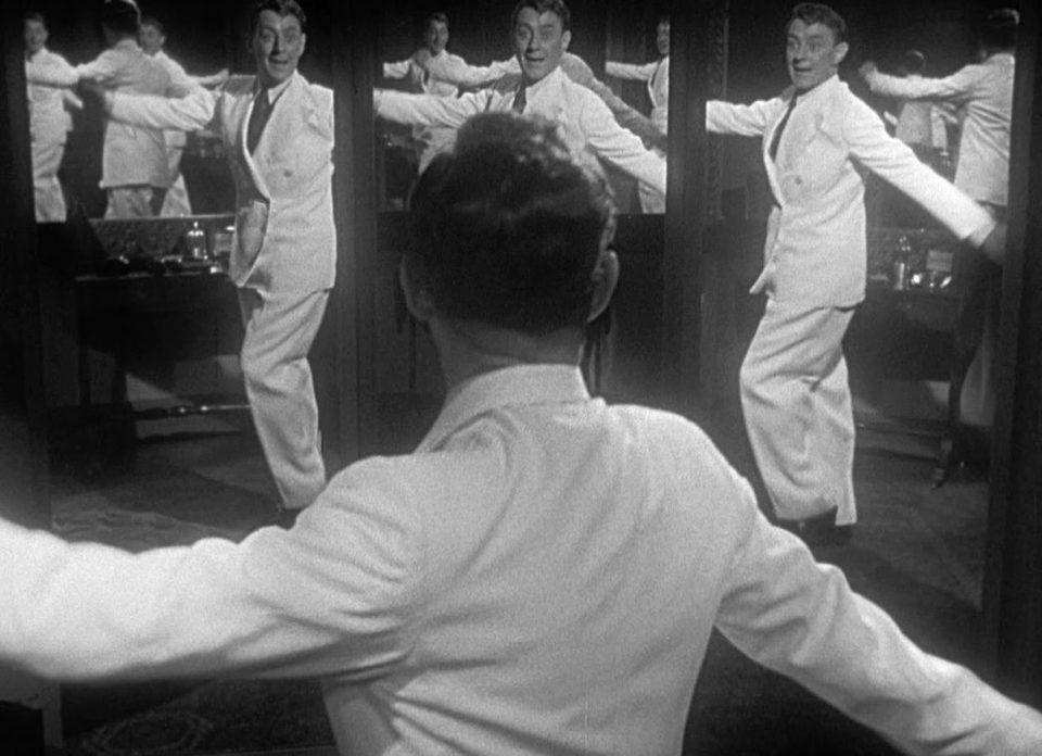 El hombre vestido de blanco, fotograma 4 de 11